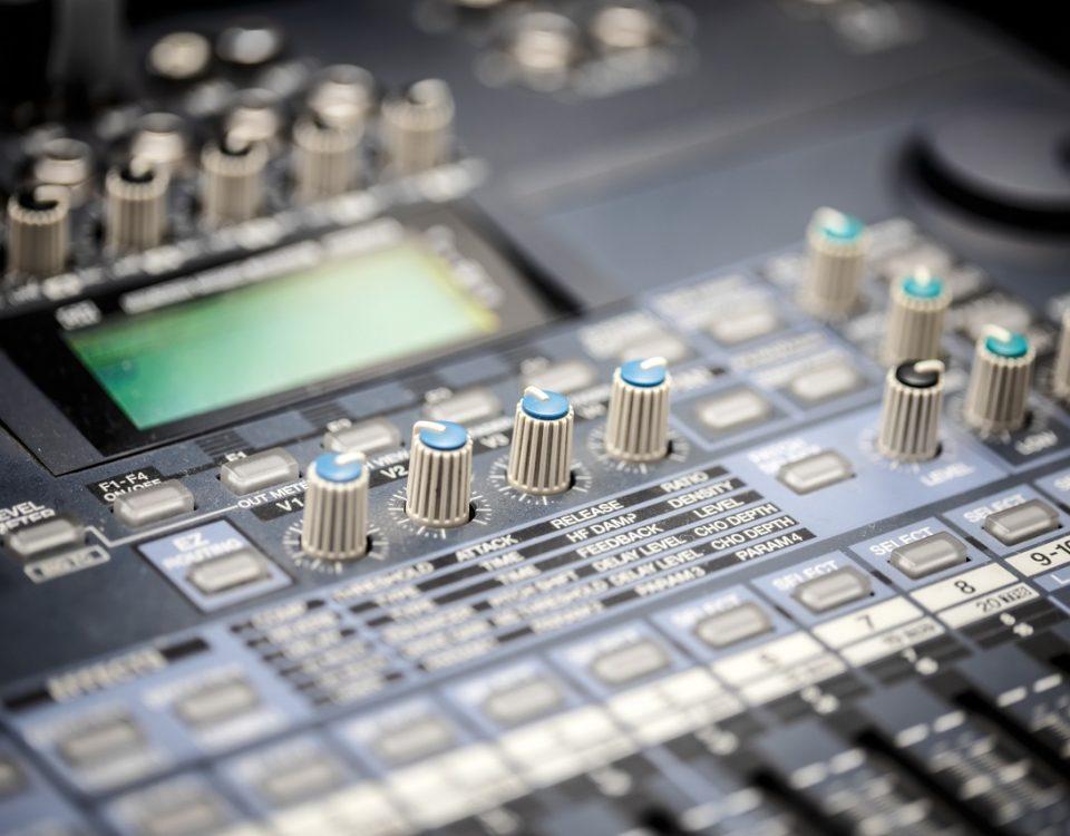 matériel de sonorisation et d'éclairage